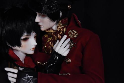 『戦国奇譚妖刀伝』の森蘭丸をモデルとした、Asleep Eidolon、Evanの蘭。「帝都物語」の加藤保憲としてお迎えした、Ringdoll、Dracula-Style B。恋人達の逢瀬の時間。