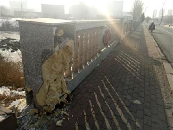 欄干 橋 中国 手抜き工事 吉林省 発泡スチロール 加重 張力
