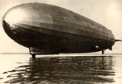 Amazon 物流 気球 空挺 ドローン 配送 倉庫
