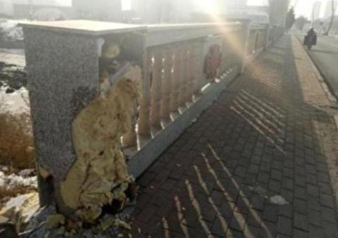 欄干 橋 中国 吉林省 手抜き工事 発泡スチロール 加重 張力