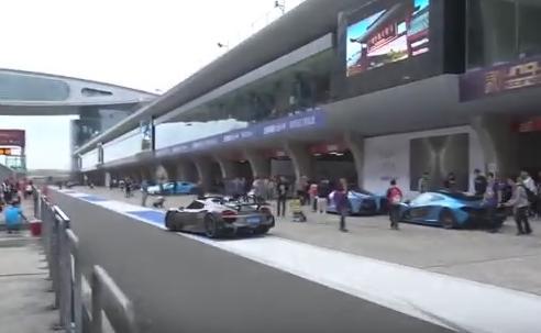 中国 共産主義 共産党 富豪 スーパーカー レース