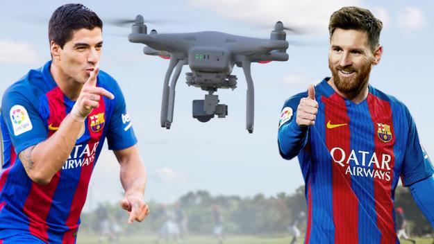 Leo Messi y Luis Suarez destrozan un dron tirando penaltis