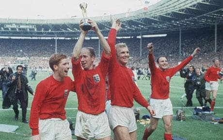 1966-world-cup_Moore Charlton