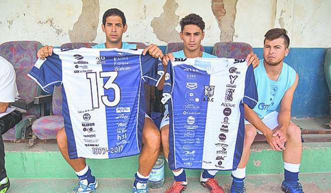 Argentine fifth-division club looks to earn Guinness world record with 50 sponsors on jersey
