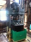 160903 (100)山川醸造たまり醤油_圧搾機