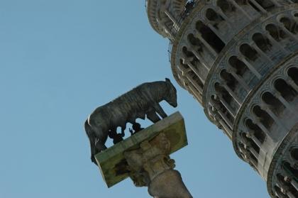 斜塔 銅像 記念物