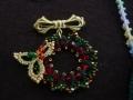 ナンフェア タティングレースのクリスマスリースのブローチ