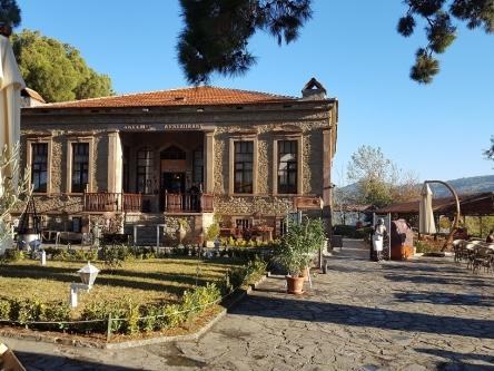 ギリシャ人の方々のかつての学び舎です
