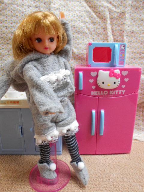 冷蔵庫とリカちゃんたち 007