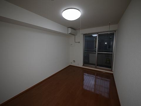 フラッツ・コーシン202洋室