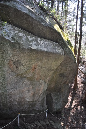 岩塚巨石降りる3