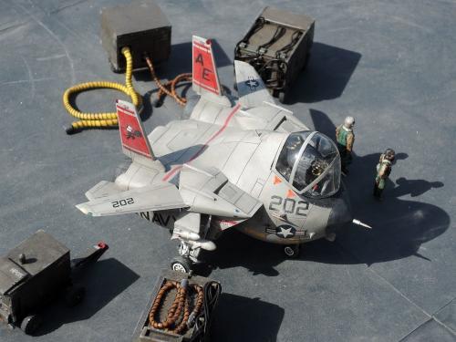 F14_01b.jpg