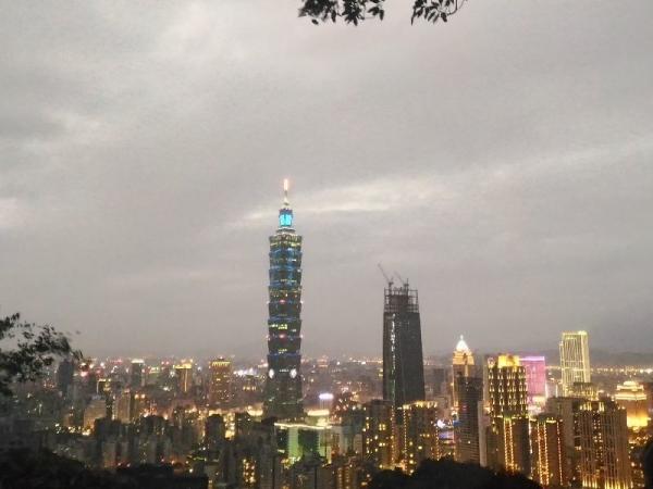 Taipei101Xiangshan_009_org.jpg