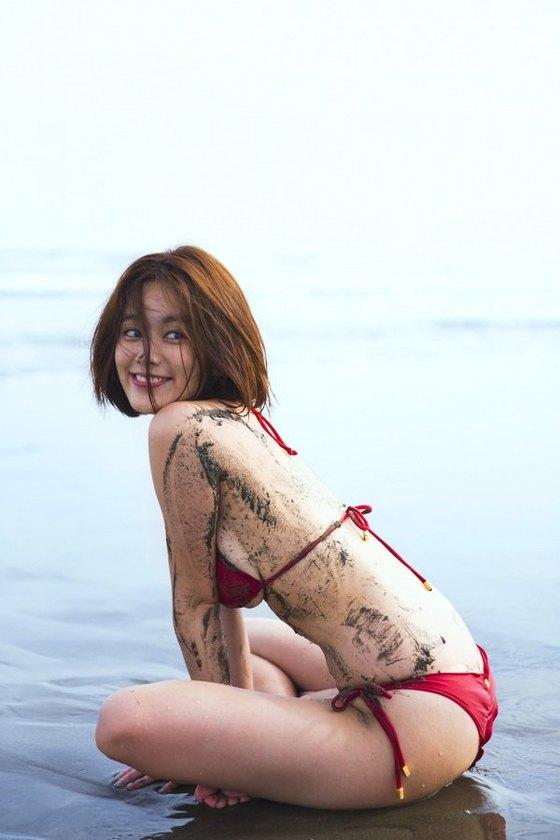 筧美和子 FLASHの写真集先行ノーブラHカップ爆乳 画像25枚 10