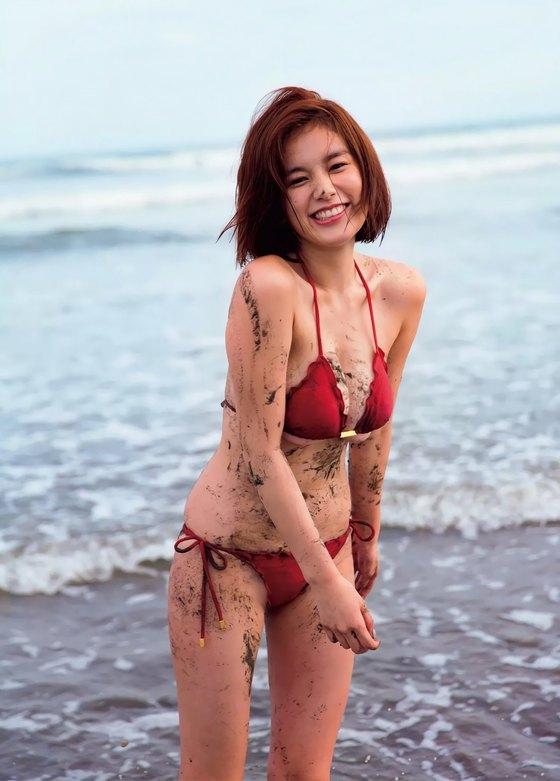 筧美和子 FLASHの写真集先行ノーブラHカップ爆乳 画像25枚 15