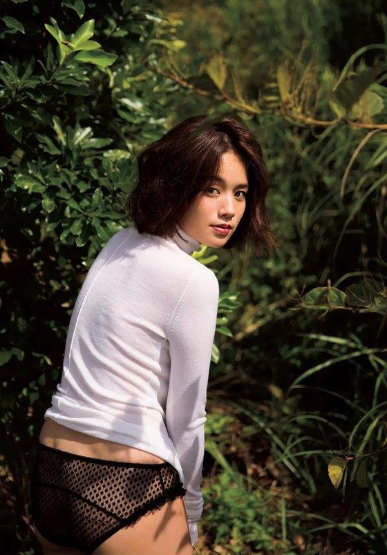 筧美和子 FLASHの写真集先行ノーブラHカップ爆乳 画像25枚 16
