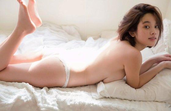 筧美和子 FLASHの写真集先行ノーブラHカップ爆乳 画像25枚 18