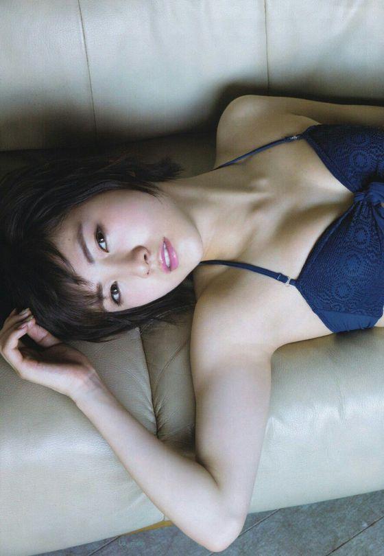 岡田奈々 スレンダー水着姿Bカップ谷間グラビア 画像29枚 5