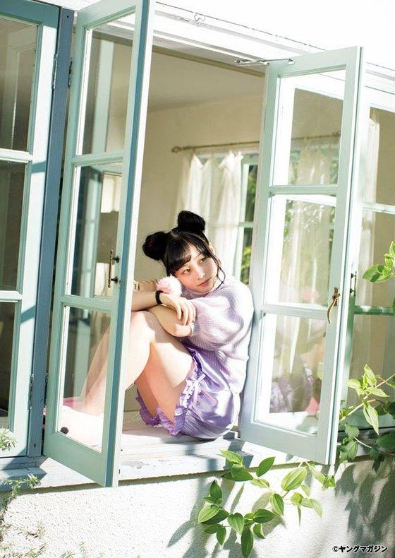橋本環奈 ヤングマガジンの猫耳胸チラグラビア 画像30枚 9