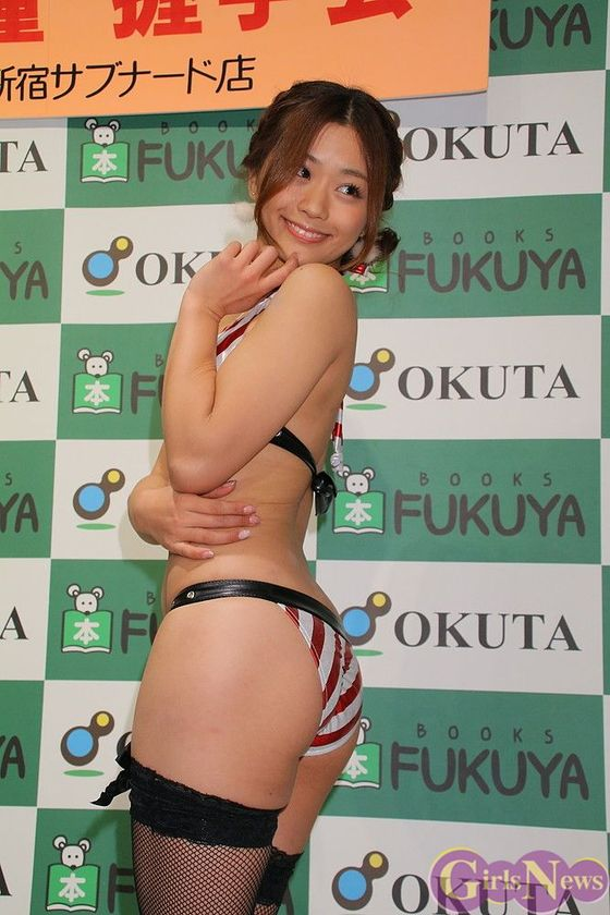 安枝瞳 カレンダー販促握手会のむっちりお尻 画像30枚 10