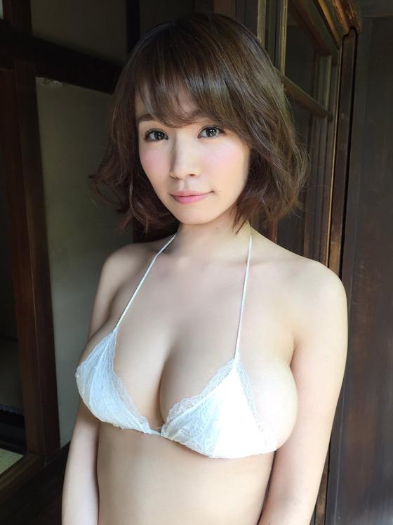 菜乃花 オートレースイベントのIカップ爆乳水着姿 画像31枚 20