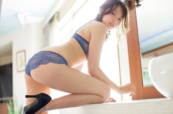 岡村いずみ フライデー袋とじのGカップ爆乳セミヌード 画像23枚 4