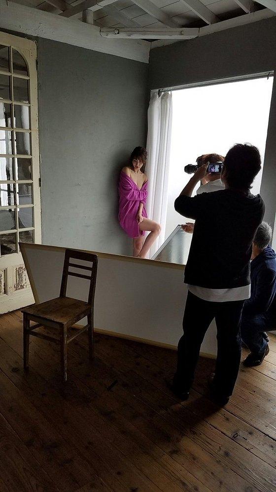 山崎真実 ヤングチャンピオンのノーブラハミ乳グラビア 画像27枚 11