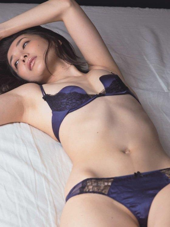 山崎真実 ヤングチャンピオンのノーブラハミ乳グラビア 画像27枚 16
