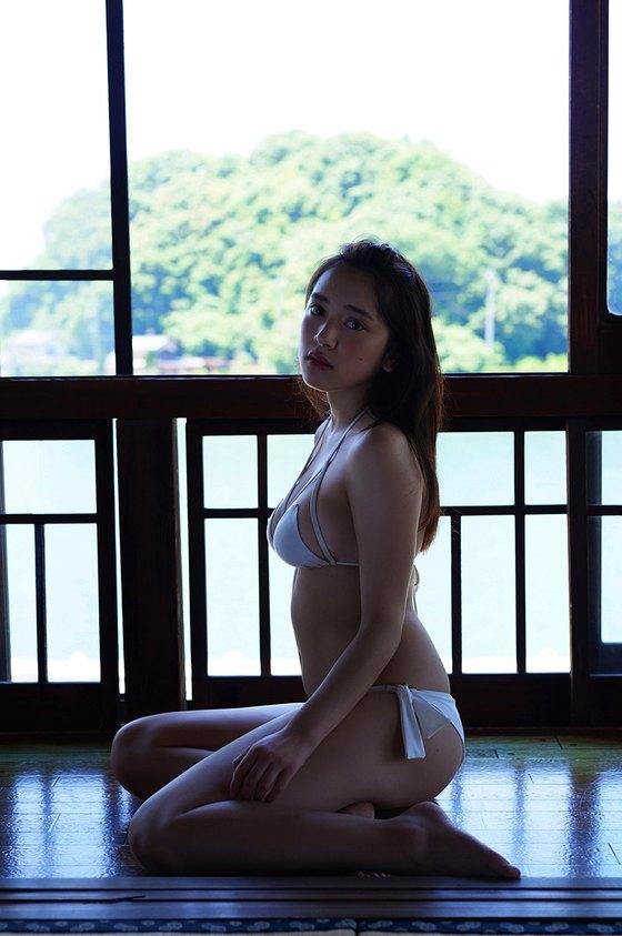都丸紗也華 週プレの下着姿Fカップ垂れ乳巨乳グラビア 画像22枚 20