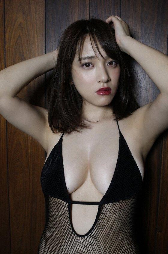 都丸紗也華 週プレの下着姿Fカップ垂れ乳巨乳グラビア 画像22枚 7