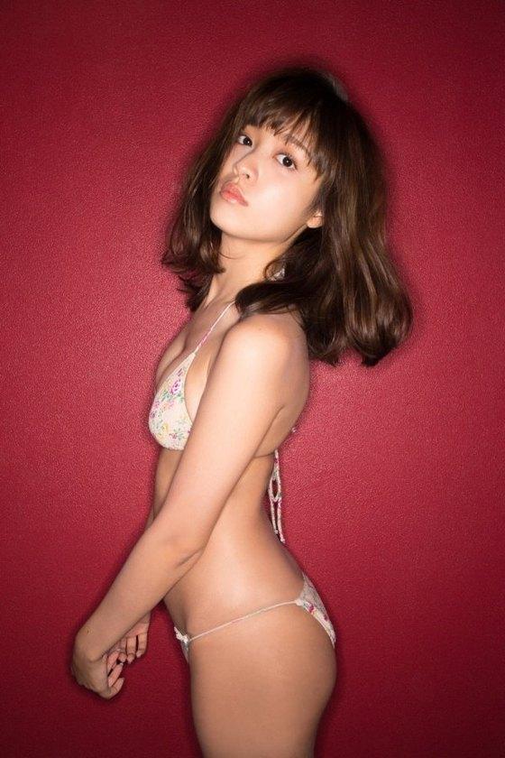松本愛 週プレの水着姿Cカップ谷間&美尻食い込み 画像26枚 8