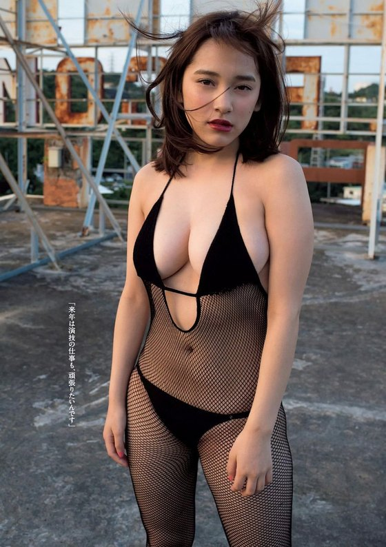 都丸紗也華 週プレの水着姿Fカップ谷間グラビア 画像32枚 12