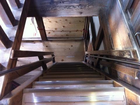 彦根城 階段2
