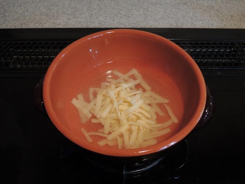 チーズを少し溶かして