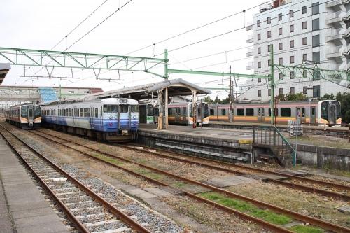 吉田駅 各路線