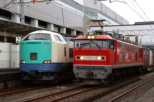 485系+EF510-22牽引・4091レ 糸魚川駅