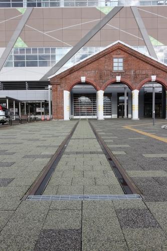 糸魚川ジオステーション ジオパル 屋外展示用レール