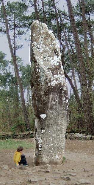 カルナック列石中最大のメンヒル