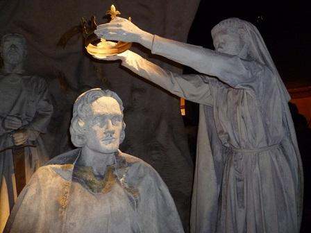 エディンバラ城に設置されているロバート1世の戴冠式の場面を描いた像