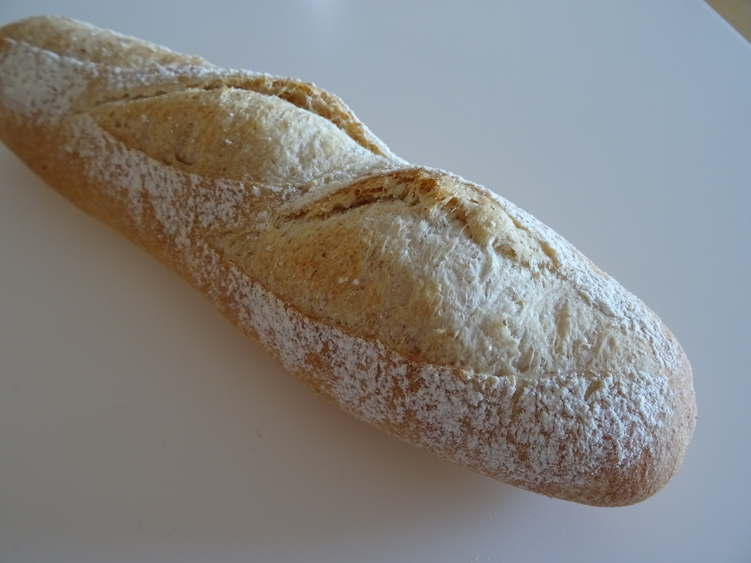 無花果のライ麦パン&バゲット1
