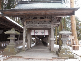 2の柱と入口