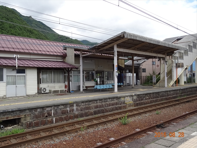 西上田駅 1