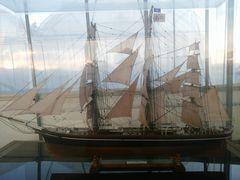"""【写真】受付ハウスに置いてある模型帆船 """"カティーサーク"""""""