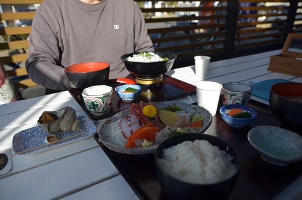 お刺身定食としらす丼&サザエ