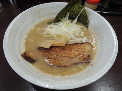 濃厚豚骨らーめん(680円)