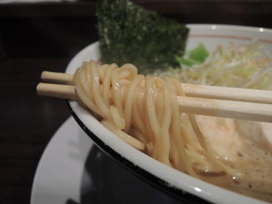 味噌らぁめんの麺