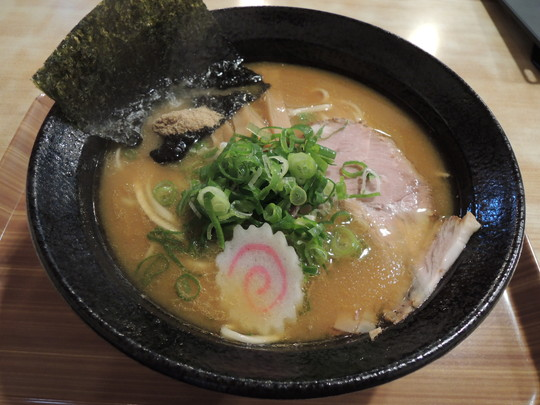 濃厚煮干しラーメン(788円)
