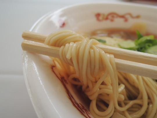 梅華そばの麺