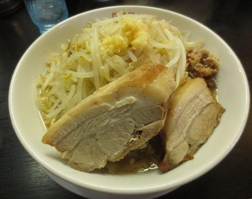 ラーメン小盛(¥720)+ヤサイ(¥100)