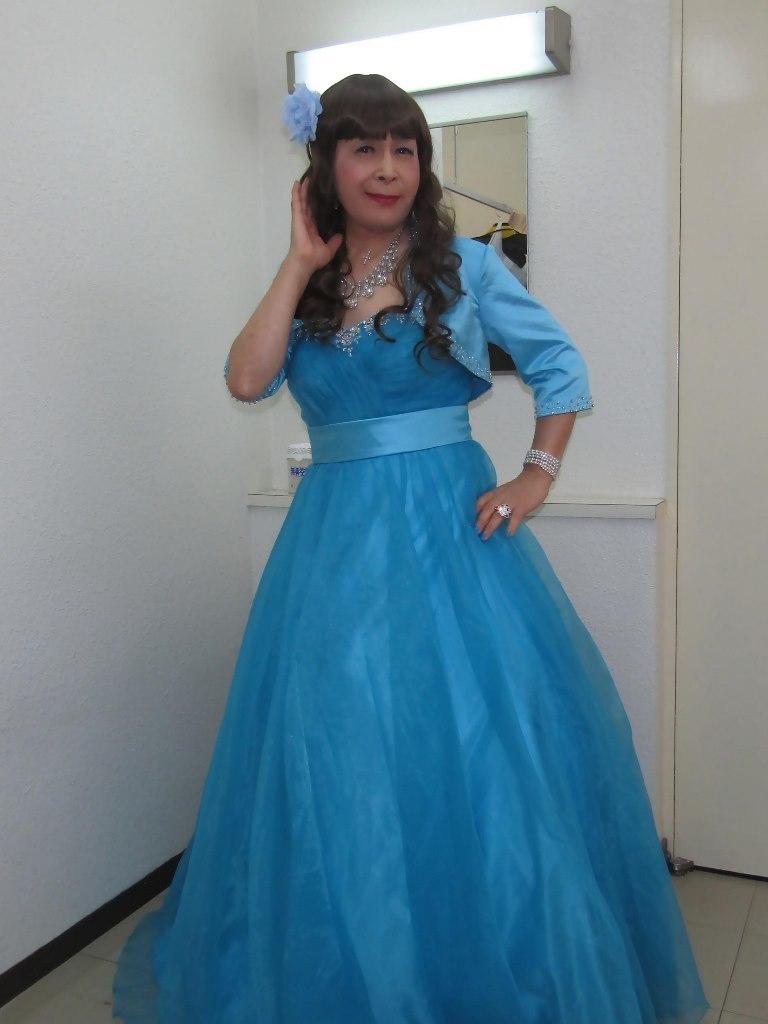 水色のドレス控室にて(6)